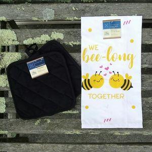 Bee Cotton Flour Sack Towel Potholder Set